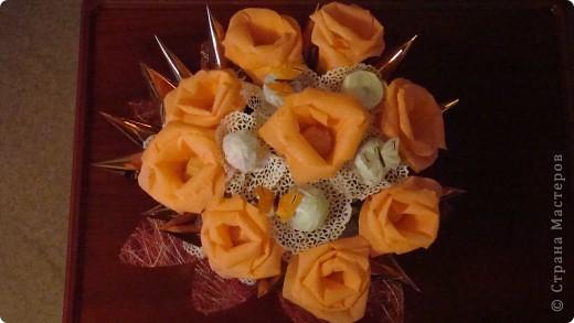 Все тренируюсь, пока кроме роз  ни за какие другие цветы не берусь. фото 1