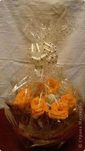Все тренируюсь, пока кроме роз  ни за какие другие цветы не берусь. фото 3