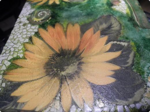 Какой яркий цветок!!! Очень мне он понравился. И как было не соблазниться и не украсить им что-нибудь. фото 1