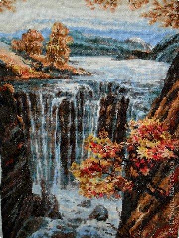 Люблю вышивать, но к сожалению сейчас не хватает времени. Мои любимые водопады. фото 1