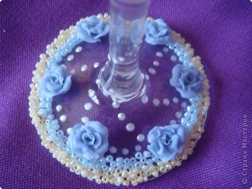 Вот выполнила заказик. Одна моя знакомая,которой нравятся мои работы, решила сделать подарок маме на юбилей. Поэтому выполняла основные условия: бело-голубые тона, розы, лебеди.. фото 6
