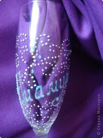 Вот выполнила заказик. Одна моя знакомая,которой нравятся мои работы, решила сделать подарок маме на юбилей. Поэтому выполняла основные условия: бело-голубые тона, розы, лебеди.. фото 4
