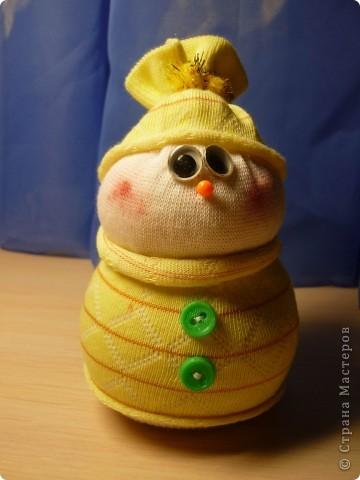 Вот такая парочка! получилась у меня!  МК http://thenshemade.blogspot.com/2011/01/sock-snowmen.html   и https://stranamasterov.ru/node/260406#comment-2821347 фото 3