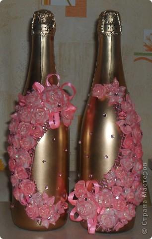 Цветочки сделала давно, долго они у меня не сохли, были какие то прозрачные, немного окультурила..., сделала розовый контур, добавила блеска, а вторую партию цветов лепила уже розовыми. фото 2