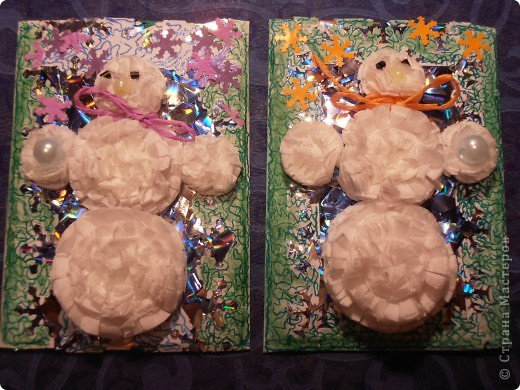 Снеговички сделаны из салфеток(обьемные)........фон - бумага оформительская........ фото 1