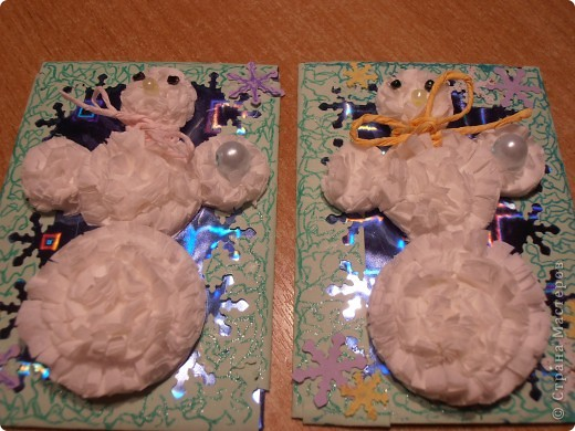 Снеговички сделаны из салфеток(обьемные)........фон - бумага оформительская........ фото 2
