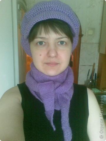 Под новую фиолетовую курточку связался новый сиреневый комплектик. Кепочку вязала крючком, бактус спицами.  фото 1