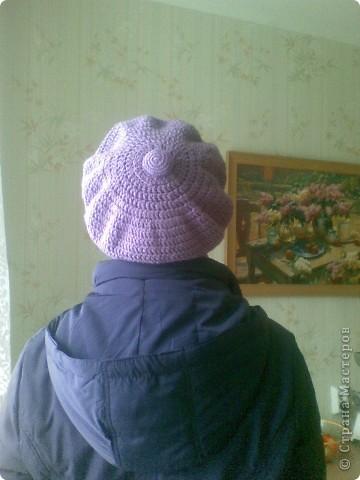 Под новую фиолетовую курточку связался новый сиреневый комплектик. Кепочку вязала крючком, бактус спицами.  фото 2