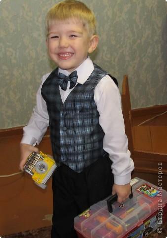 23 ноября был день рождения у моего сына. Ему исполнилось 4 года. Любимый мультик сыночка - Тачки, поэтому и праздник проходил в этом стиле. Тортик заказали соответственный )) фото 8