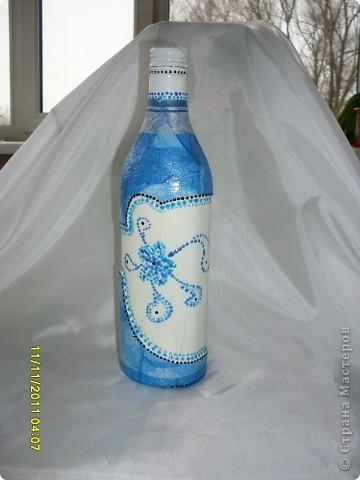 """Моя первая бутылочка, хотелось сделать что нибудь похожее на """"гжель"""". фото 1"""