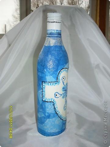 """Моя первая бутылочка, хотелось сделать что нибудь похожее на """"гжель"""". фото 2"""