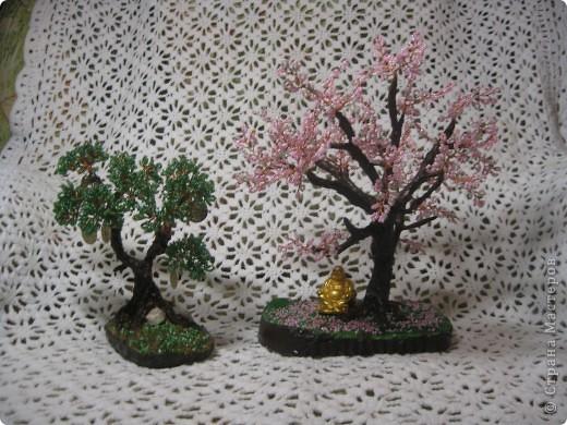 Моя внучка со своей работой, дерево она делала для мамочки,дочь очень довольна. фото 3