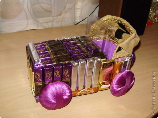 Ёлки из конфет с контейнерами для подарков. фото 4