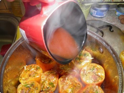 Свинина - 500 г Перец - 12 шт Лук - 2 шт Морковь - 2 шт Корень петрушки Укроп Чеснок - 4 зубчика Томатная паста - 1 ст.л. Сроль, перец Растительное масло для жарки. фото 7