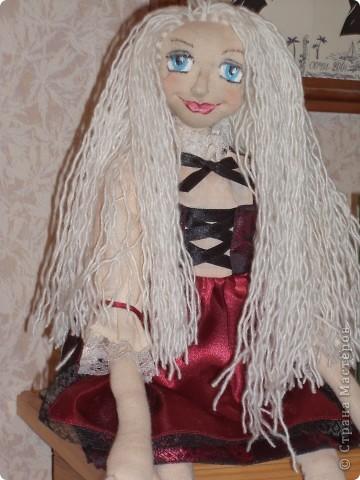 Куколка создавалась под впечатлением первой продажи . Куколка Лолита нашла свою хозяйку.Я очень рада!.Честно говоря, даже не думала продавать свои работы. Все предыдущие были подарены. фото 5