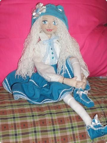 Куколка создавалась под впечатлением первой продажи . Куколка Лолита нашла свою хозяйку.Я очень рада!.Честно говоря, даже не думала продавать свои работы. Все предыдущие были подарены. фото 6