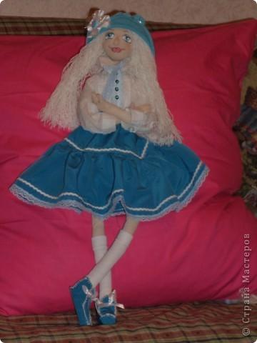 Куколка создавалась под впечатлением первой продажи . Куколка Лолита нашла свою хозяйку.Я очень рада!.Честно говоря, даже не думала продавать свои работы. Все предыдущие были подарены. фото 8