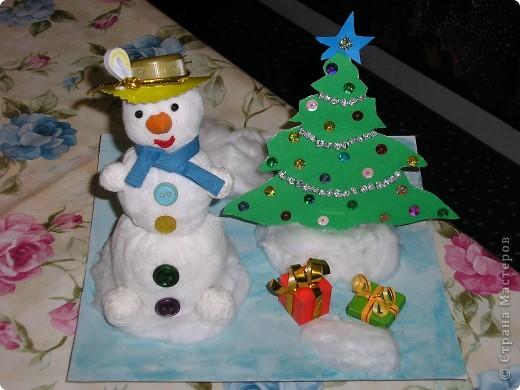 Всем здравствуйте! В школу нужны были поделки для новогодней выставки и вот мы решили сделать снеговиков. Вот что у нас получилось. фото 3