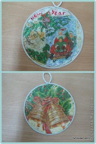 Вот и начал работу мой кружок по декорированию предметов в стиле декупаж!!! Первое занятие начали с декора дисков.наклеивание салфетки методом файла. фото 9