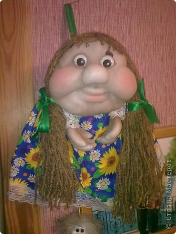 Первая кукла в стиле попок,не получилась юбка и не видно ножек.Надеюсь что вторая получится лучше. фото 2