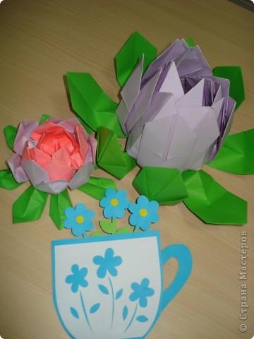 Всем здравствуйте! Два занятия мы готовились к Дню мам. Предлагаю посмотреть, какие сувениры мы приготовили. фото 1