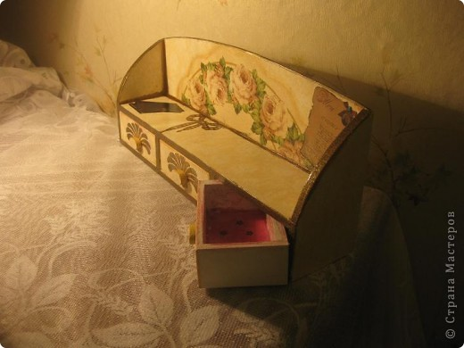 Комодик-полочка и зеркальце. фото 6
