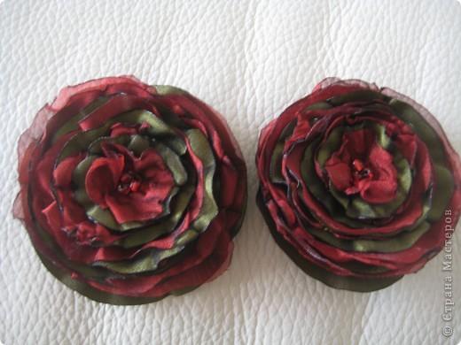 брошка-цветок из ткани фото 2