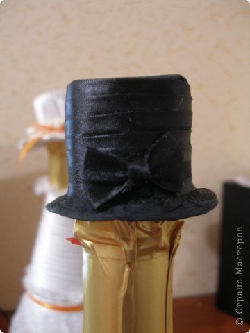 Жили-были две бутылочки)))).... И решили они пожениться... Каждый выбрал себе наряд  по вкусу)))) фото 3
