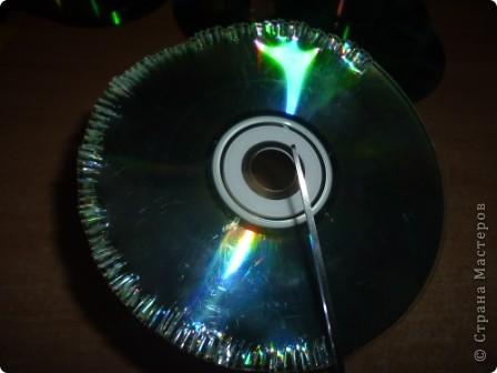 Здравствуйте! Я хочу показать вам, как я делаю сову из ненужных компакт-дисков. Начнём... фото 5
