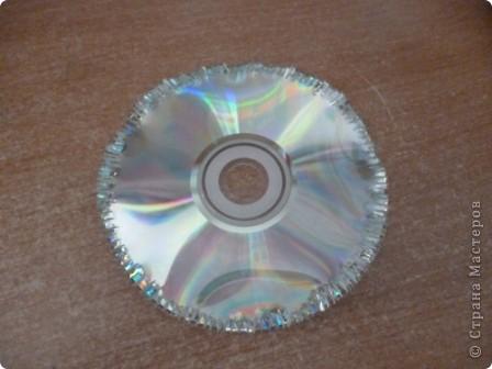 Здравствуйте! Я хочу показать вам, как я делаю сову из ненужных компакт-дисков. Начнём... фото 6