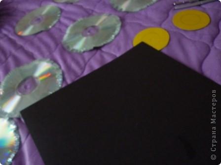 Здравствуйте! Я хочу показать вам, как я делаю сову из ненужных компакт-дисков. Начнём... фото 9