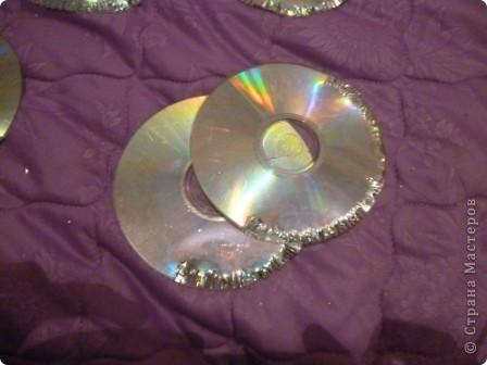 Здравствуйте! Я хочу показать вам, как я делаю сову из ненужных компакт-дисков. Начнём... фото 29