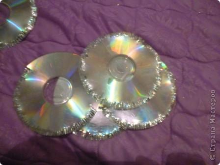 Здравствуйте! Я хочу показать вам, как я делаю сову из ненужных компакт-дисков. Начнём... фото 31
