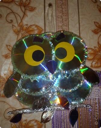 Здравствуйте! Я хочу показать вам, как я делаю сову из ненужных компакт-дисков. Начнём... фото 37