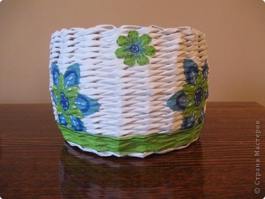 Здравствуйте! Это мои первые работы в технике плетения из бумажной лозы! фото 1