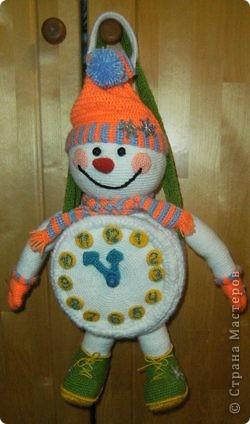 Вот такого снеговика связала я в предверии Нового года. фото 6