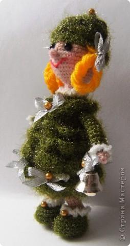 """""""Были бы у ёлочки ножки, побежала бы она по дорожке"""". Стихотворение К.И. Чуковского приняла буквально и связала елочку, которая может вместе с детками веселиться в Новый год, бегать и прыгать! фото 2"""