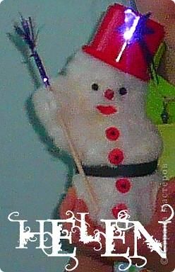предновогодняя суета! как это здорово! вот ещё несколько идей для подарков и ёлочных украшений выставка снеговиков сделанных руками родителей и детей фото 5