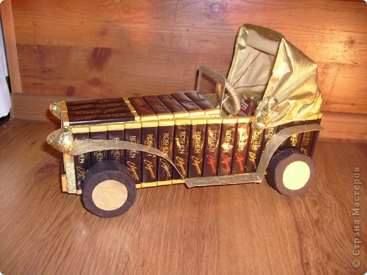 И у меня подготовка к Новому году идет всем ходом))) вот появился сладкий автомобиль, спасибо огромное Светлане Лане и Efroska за ее мк)))  фото 1