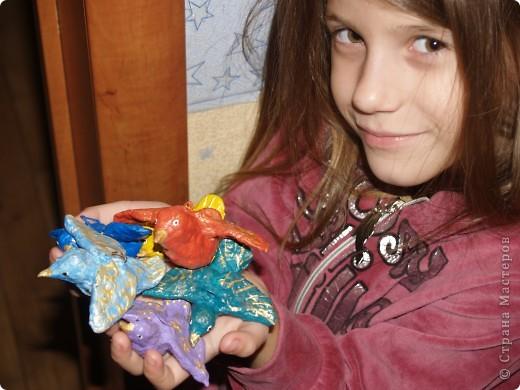 """""""Райские птички""""- моей дочи.Уж очень моим детям захотелось вывесить свои работы отдельно друг от друга, входят во вкус и начинают соревноваться между собой. фото 4"""