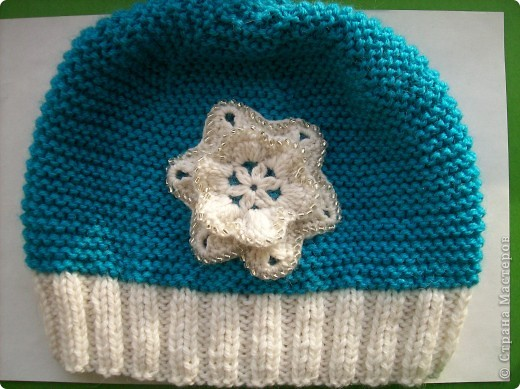 Связала доченьке новый комплект для зимы. Шапочку и шарфик вязала платочной вязкой нитью в два сложения.  фото 2