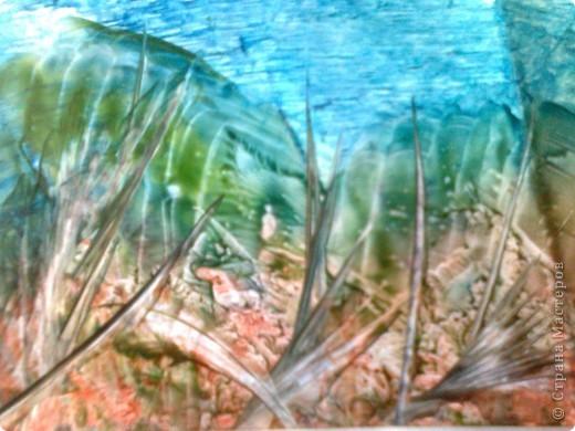 О Марс, оставленный когда-то  Инопланетными людьми!  Забытый, красный, ноздреватый,  Покрытый ржавчиной пыли! Ю. Демянская, 2004 г. фото 2