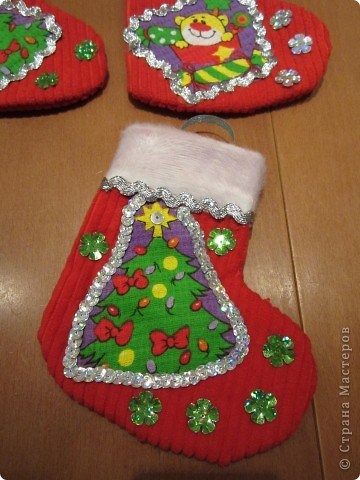 Валеночек для подарков. Большой. Апликация из вафельной ткани, с новогодней тематикой. фото 4