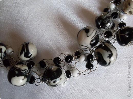 Неожиданно получилась коллекция украшений из белой и черной пластики ( хотелось сделать совсем другое) фото 7