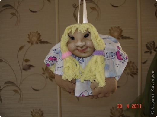 """Когда сшила первую куклу на удачу, то поняла, что остановиться на этом не смогу. И пошло-поехало. И самое интересное, что для себя пока не осталось ни одной куклы, все раздариваются """"с пылу, с жару"""". фото 2"""