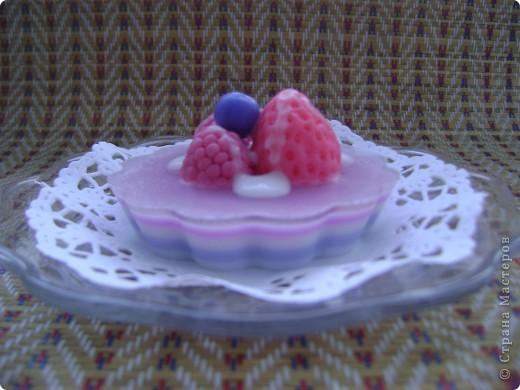 Мои первые мыльные пироженки!!! С ароматом малиновой шарлотки. фото 1