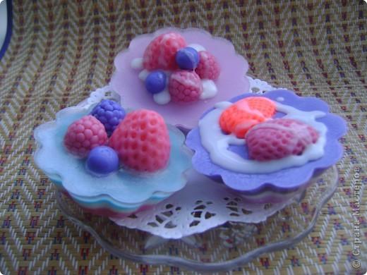 Мои первые мыльные пироженки!!! С ароматом малиновой шарлотки. фото 2