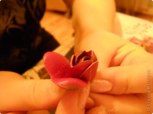 Предлагаю Вам попробовать сделать вот такую розу из кожи. фото 14