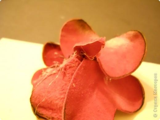 Предлагаю Вам попробовать сделать вот такую розу из кожи. фото 17