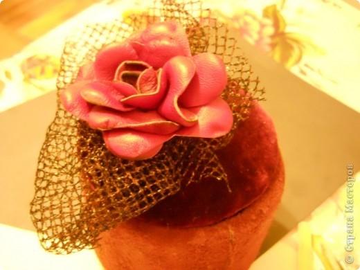Предлагаю Вам попробовать сделать вот такую розу из кожи. фото 19